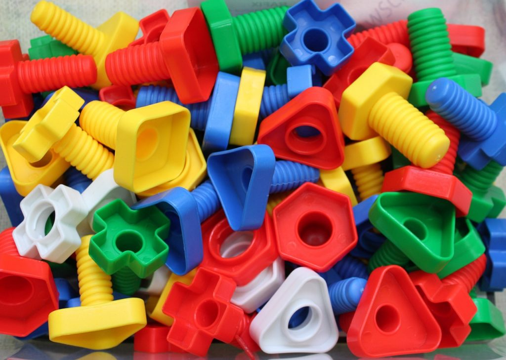 Helping children with fine motor skills development